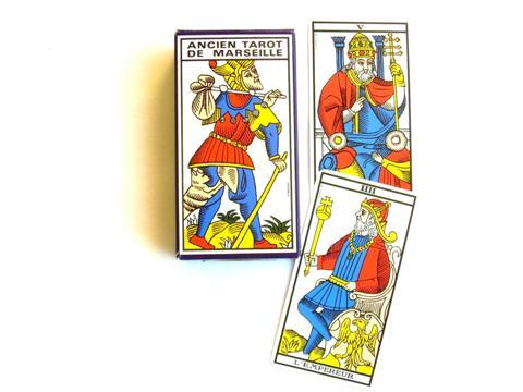 Ancien Tarot de Marseille, chacune des lames porte un nom et un numéro excepté le mat