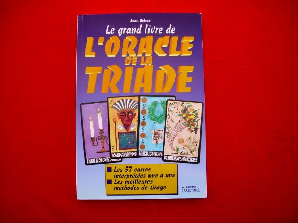 Le livre Oracle de la Triade