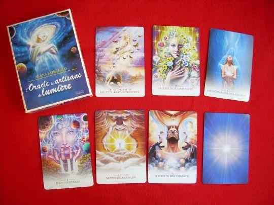 Cet oracle s'adresse à ceux qui ressentent un appel intérieur les invitant à se connecter avec la lumière divine et les fréquences supérieures de la conscience afin de participer à la guérison du monde