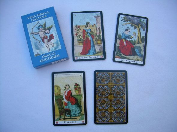 Dominique clairvoyance will advise you on  divinatory cards, the daily Oracle is perfect to  start practicing clairvoyance and cartomancy,  this game is simple and practical use,  clairvoyance without complacency