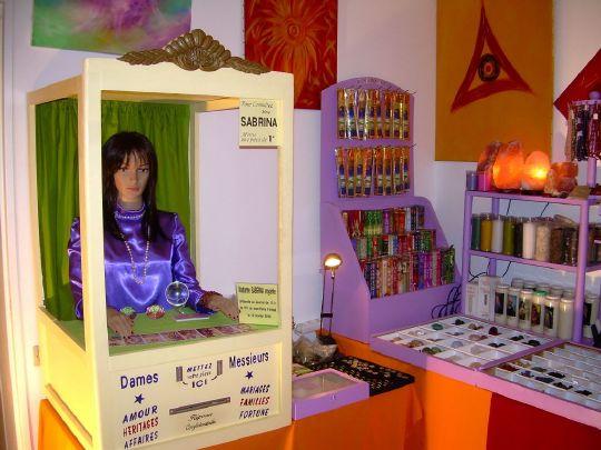 boutique esoterique, salon de voyance Dominique Saint Amour, boutique ésotérique, 06 84 08 92 68 , au plaisir de vous rencontrer prochainement sur les salons