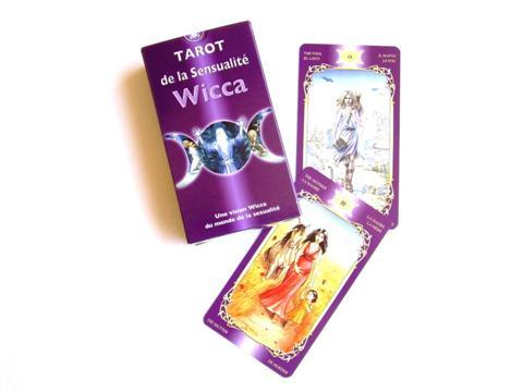 tarot de la sensualté wicca apporte dans les couples et leurs relations de la magie sensuelle, jeu accessible à tous nos voyants et amateurs qui aborde la sexualité, le sexe d'un point de vue spirituel , outil de méditation, exploration, de communication