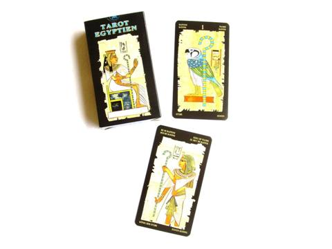 Tarot Egyptien, l'équilibre n'est atteint que dans le mouvement. Osiris est le symbole de l'éternité